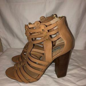Steve Madden Shoes - STEVE MADDEN. Tan block heel.